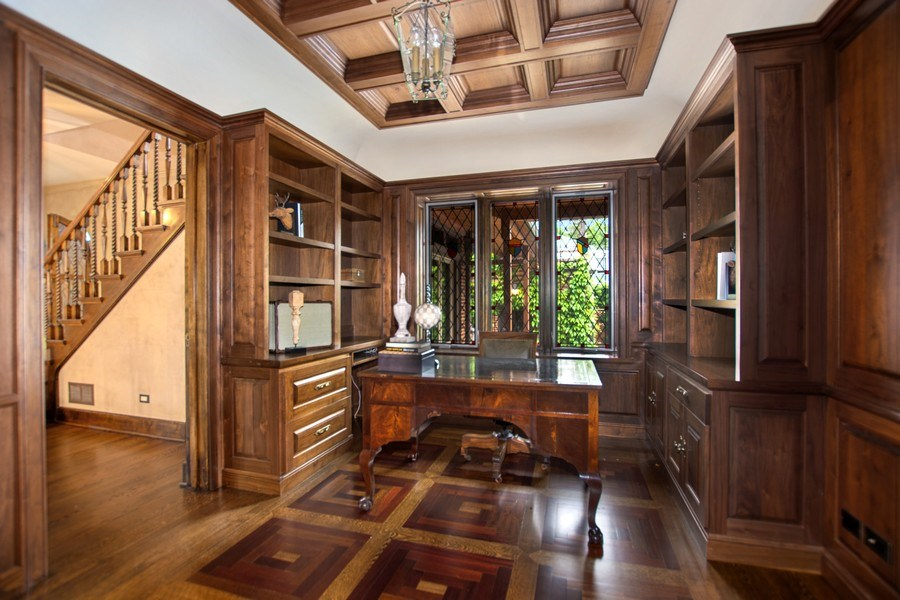 Real Estate Photography - 6087 N Kirkwood, Chicago, IL, 60646 - Study