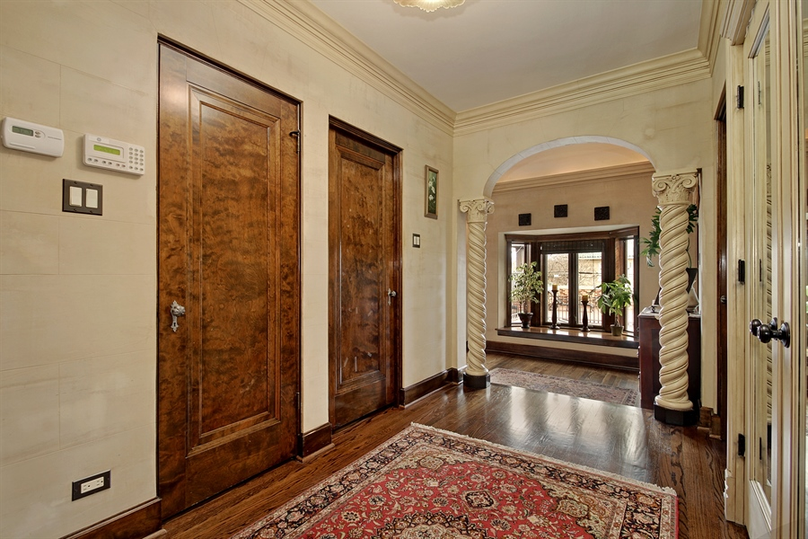 Real Estate Photography - 6087 N Kirkwood, Chicago, IL, 60646 - 2nd Level Foyer