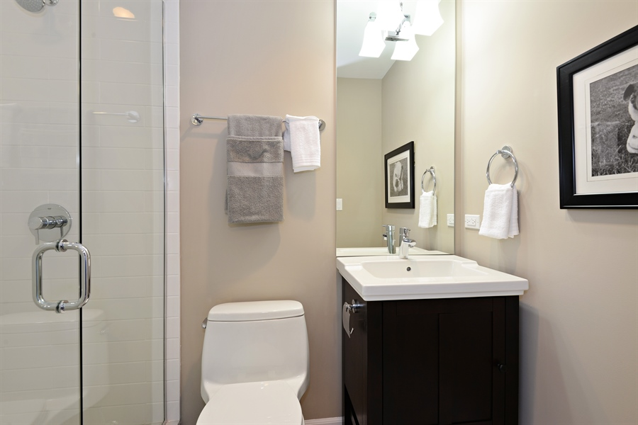 Real Estate Photography - 350 Sunset Dr, Northfield, IL, 60093 - 3rd Bathroom