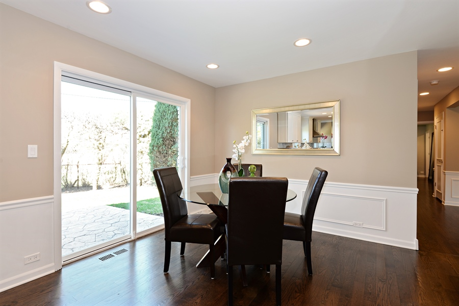 Real Estate Photography - 350 Sunset Dr, Northfield, IL, 60093 - Breakfast Area