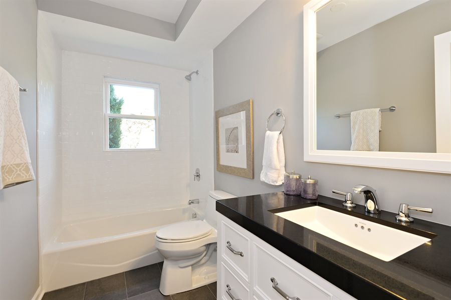 Real Estate Photography - 350 Sunset Dr, Northfield, IL, 60093 - Bathroom