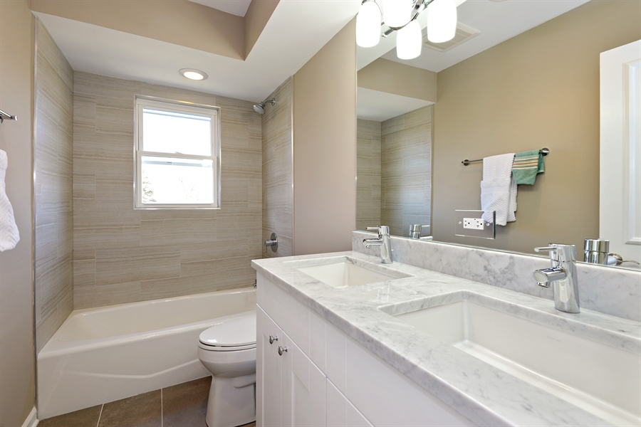 Real Estate Photography - 350 Sunset Dr, Northfield, IL, 60093 - 2nd Bathroom