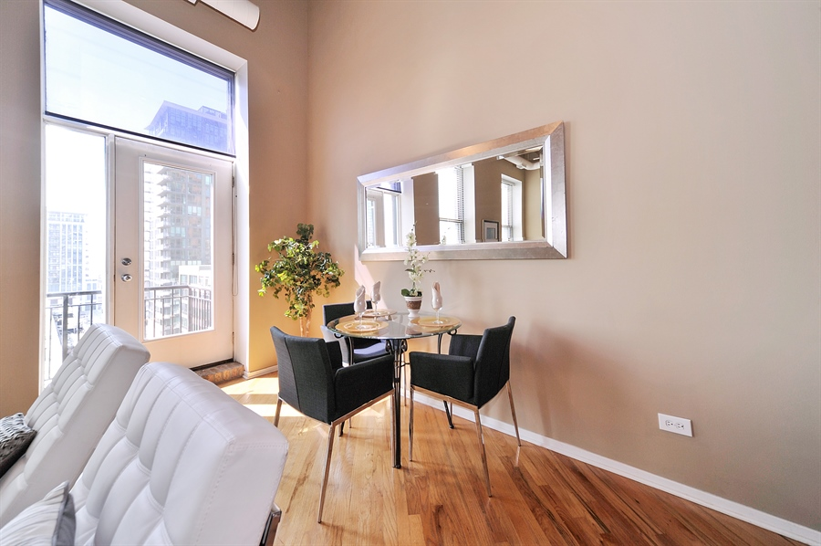 Real Estate Photography - 616 W Fulton St, 608, Chicago, IL, 60661 - Dining Room