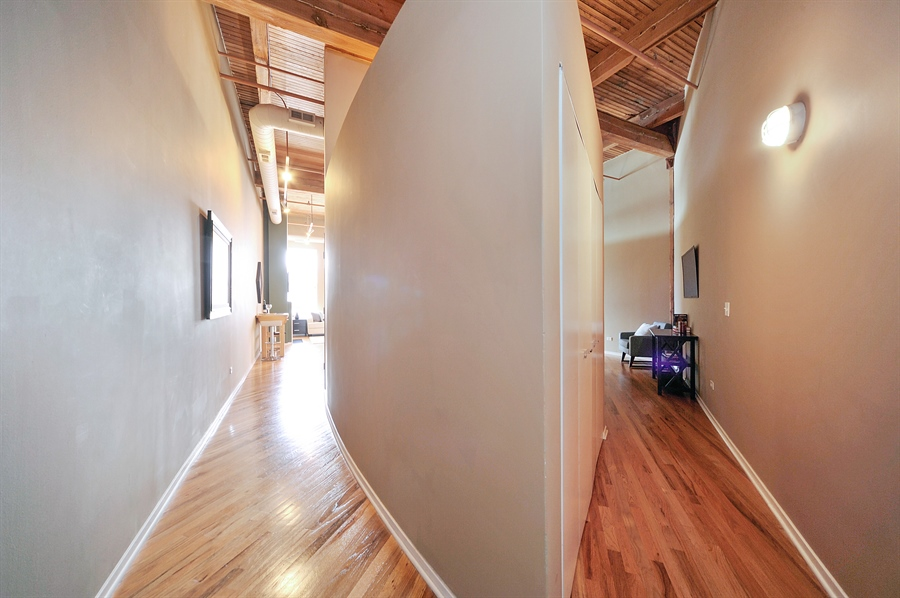 Real Estate Photography - 616 W Fulton St, 608, Chicago, IL, 60661 - Hallway