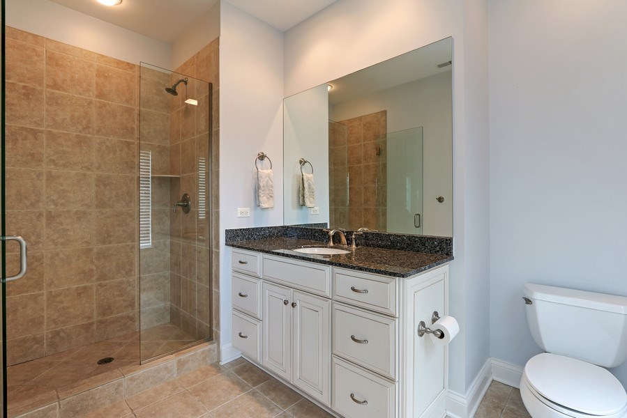 Real Estate Photography - 597 Golf Ln, Lake Forest, IL, 60045 - 3rd Bathroom