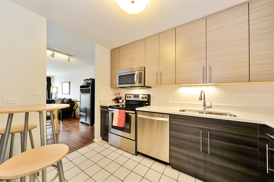 Real Estate Photography - 2020 N Lincoln Park West, 3K, Chicago, IL, 60614 - Kitchen