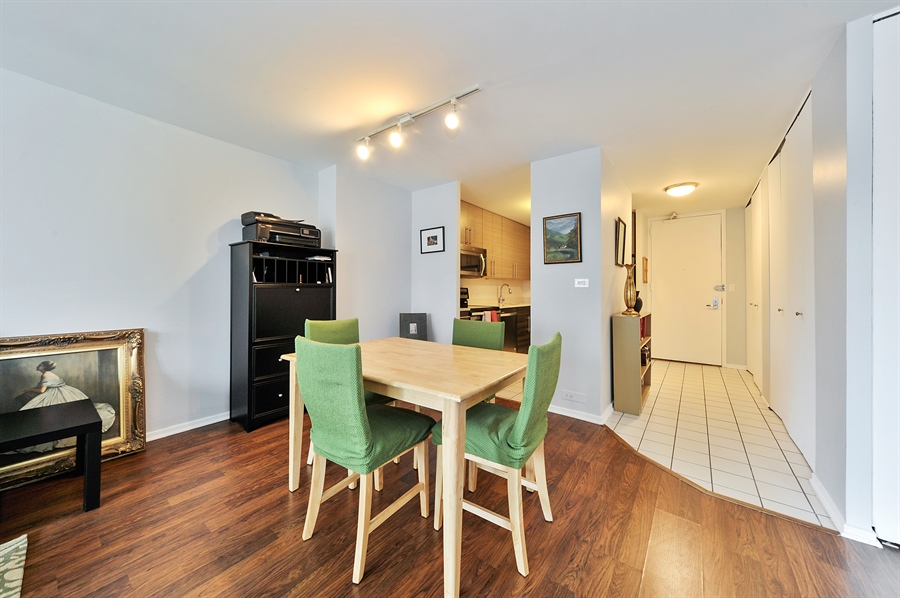 Real Estate Photography - 2020 N Lincoln Park West, 3K, Chicago, IL, 60614 - Dining Room
