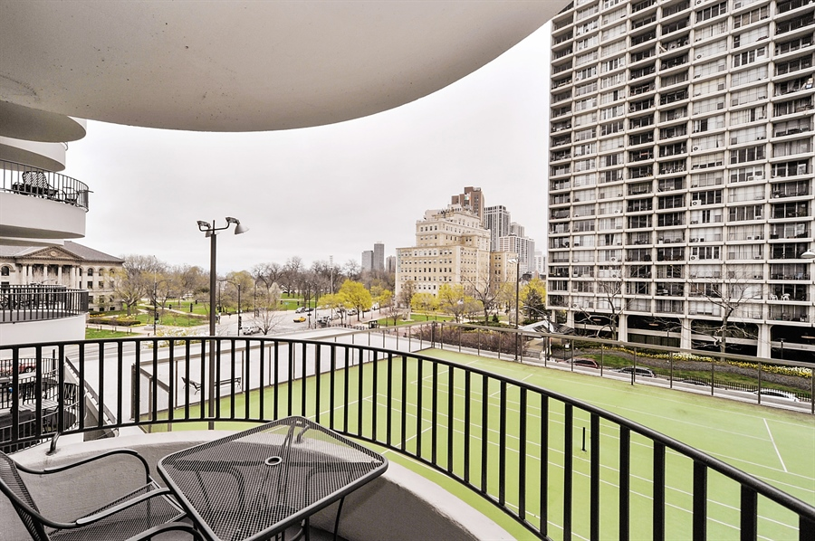 Real Estate Photography - 2020 N Lincoln Park West, 3K, Chicago, IL, 60614 - Balcony