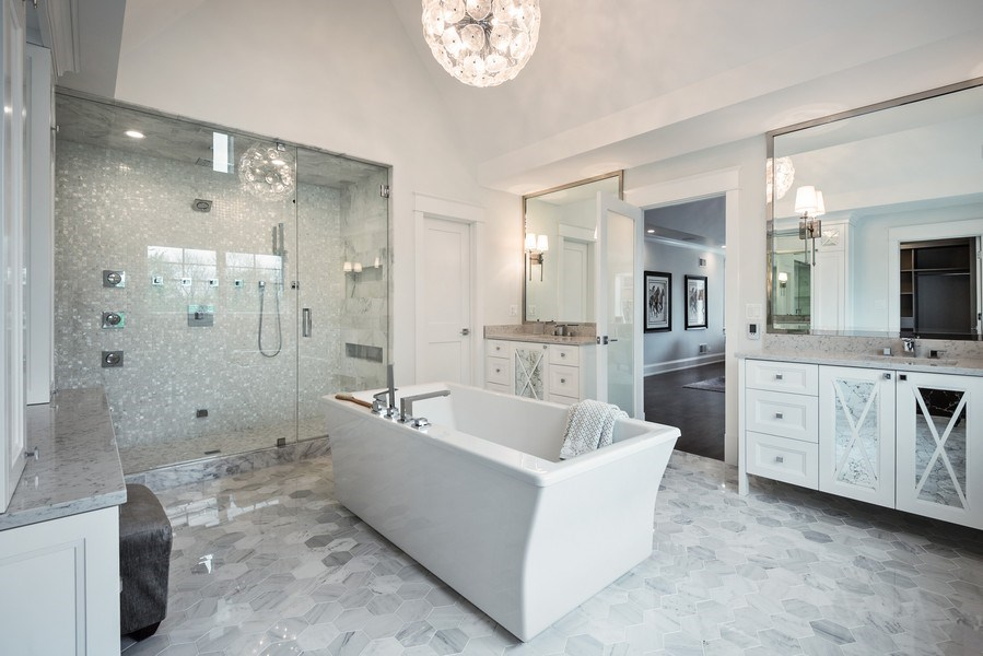 Real Estate Photography - 77 Overlook Dr, Golf, IL, 60029 - Master Bathroom