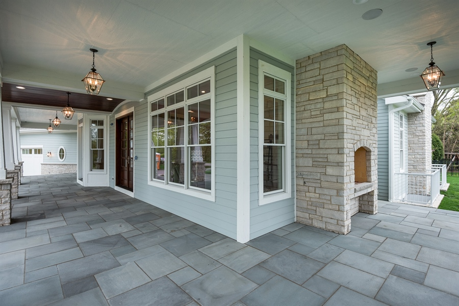 Real Estate Photography - 77 Overlook Dr, Golf, IL, 60029 - Porch