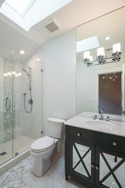 Real Estate Photography - 77 Overlook Dr, Golf, IL, 60029 - Jr Suite Bathroom