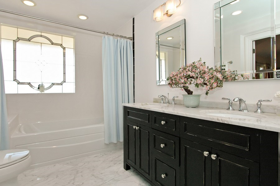 Real Estate Photography - 306 Ridge Rd, Barrington Hills, IL, 60010 - Master Bathroom