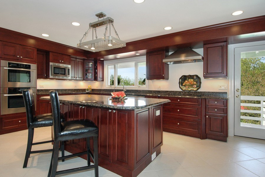 Real Estate Photography - 306 Ridge Rd, Barrington Hills, IL, 60010 - Kitchen