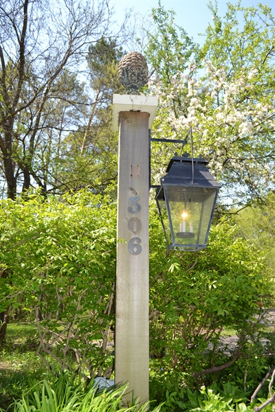 Real Estate Photography - 306 Ridge Rd, Barrington Hills, IL, 60010 - Lamp Post