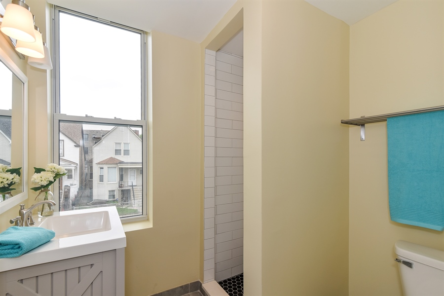Real Estate Photography - 3659 W Shakespeare, Chicago, IL, 60647 - 4th Bathroom