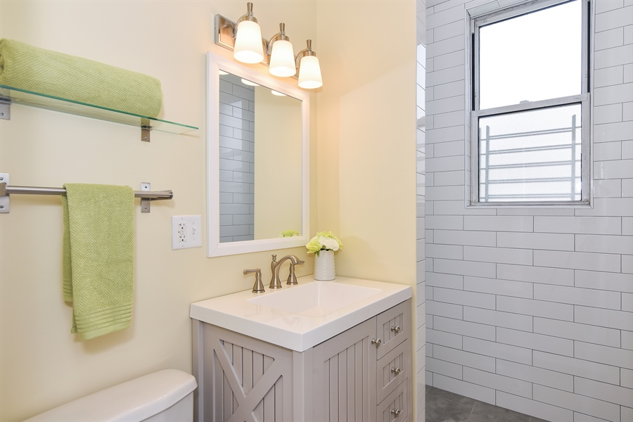Real Estate Photography - 3659 W Shakespeare, Chicago, IL, 60647 - 2nd Bathroom