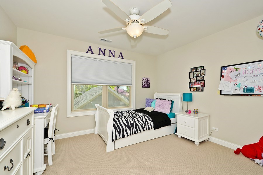 Real Estate Photography - 915 Rolling Pass Ave, Glenview, IL, 60025 - 2nd Bedroom