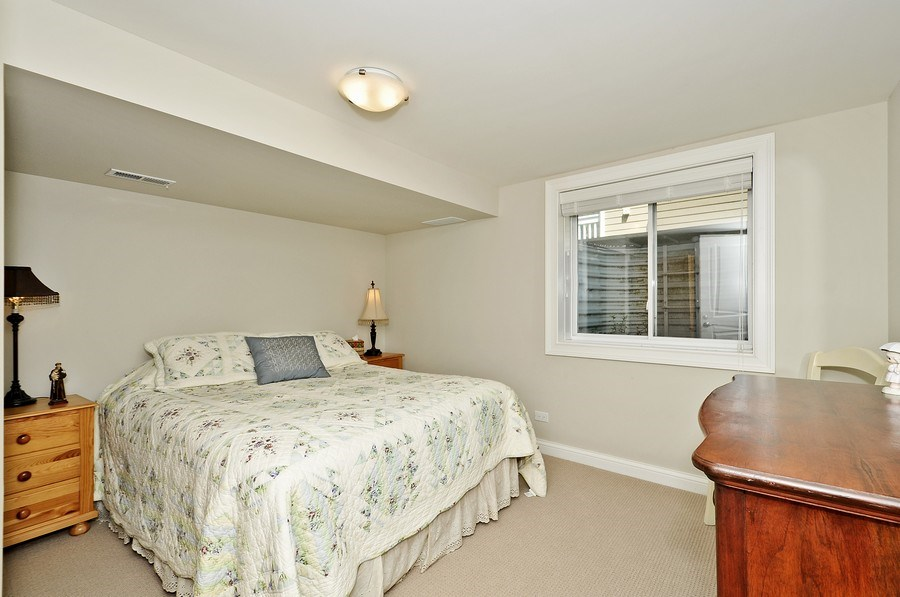 Real Estate Photography - 915 Rolling Pass Ave, Glenview, IL, 60025 - 5th Bedroom
