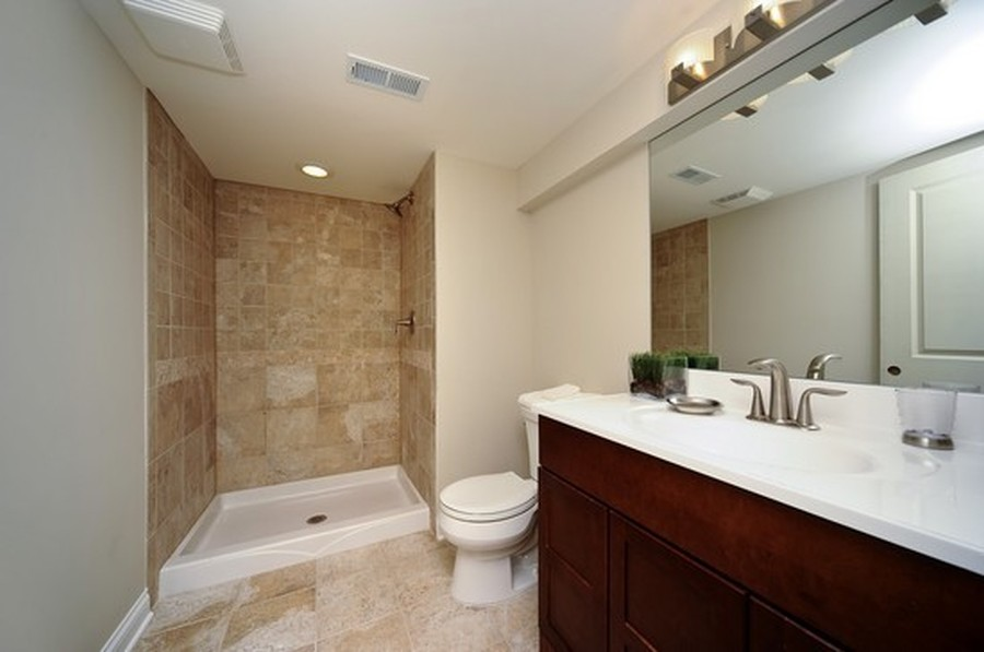 Real Estate Photography - 915 Rolling Pass Ave, Glenview, IL, 60025 - Lower Level Bathroom