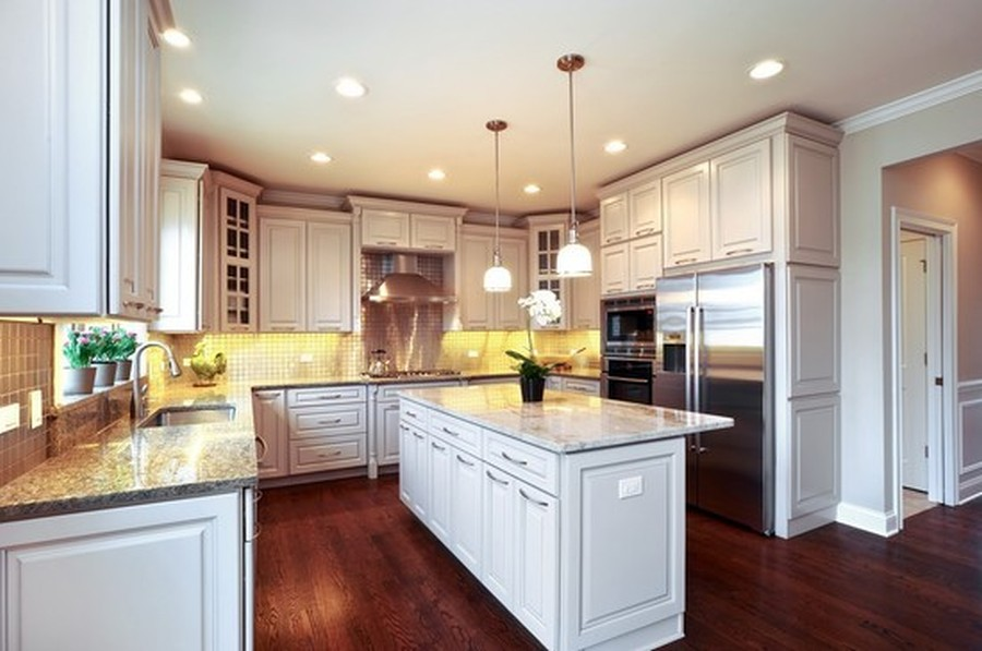 Real Estate Photography - 915 Rolling Pass Ave, Glenview, IL, 60025 - Kitchen