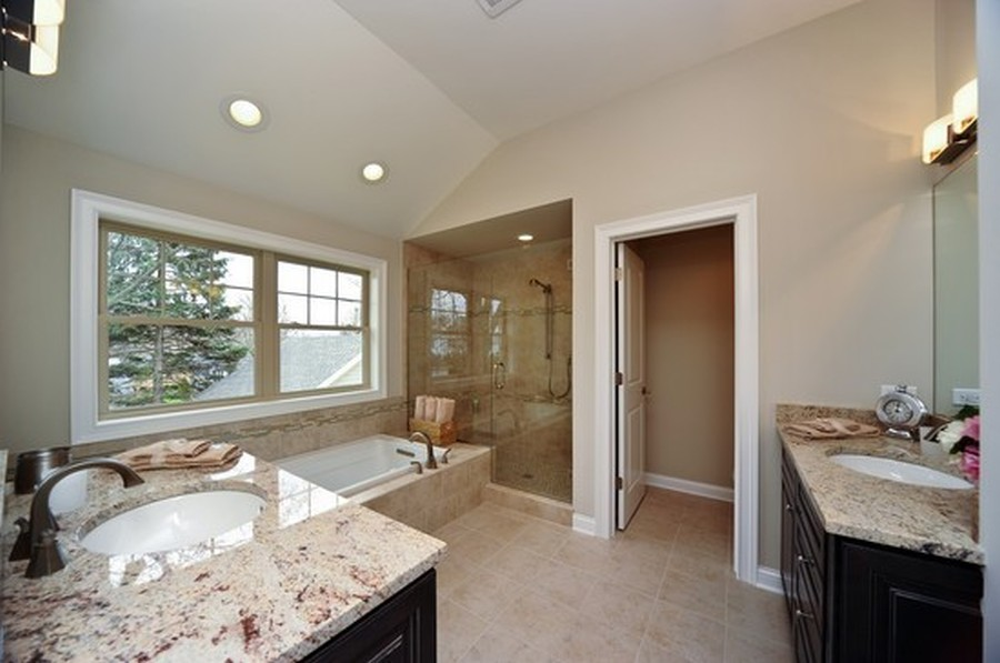 Real Estate Photography - 915 Rolling Pass Ave, Glenview, IL, 60025 - Master Bath