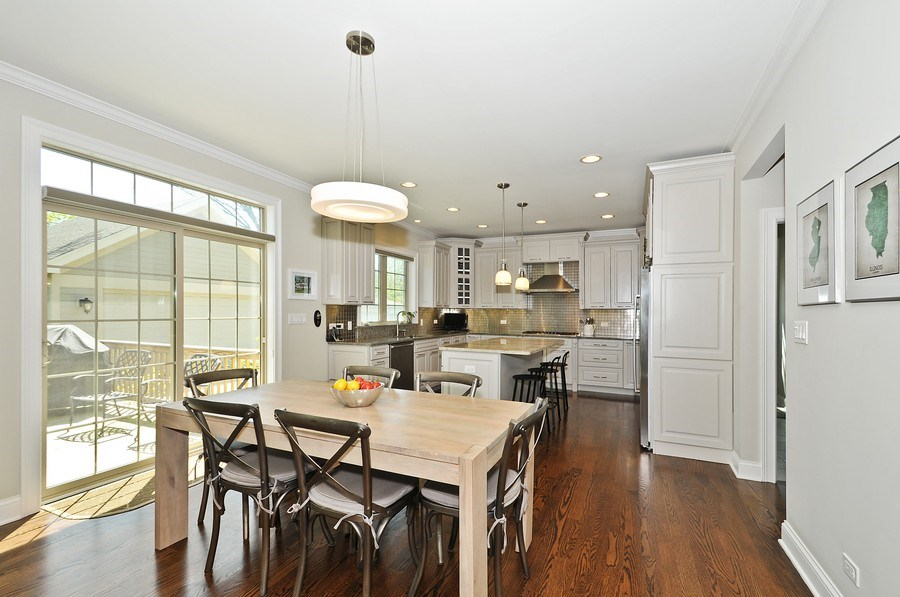 Real Estate Photography - 915 Rolling Pass Ave, Glenview, IL, 60025 - Kitchen & Breakfast Area