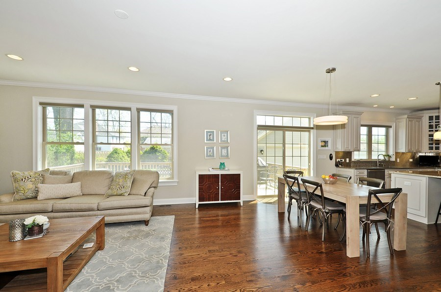 Real Estate Photography - 915 Rolling Pass Ave, Glenview, IL, 60025 - Family Room & Breakfast Area