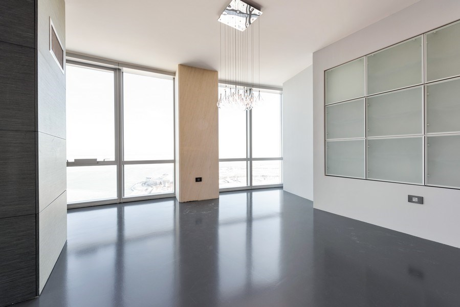 Real Estate Photography - 1211 S Prairie, Unit 3101, Chicago, IL, 60616 - Dining Room