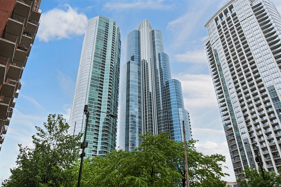 Real Estate Photography - 1211 S Prairie, Unit 3101, Chicago, IL, 60616 - Front View