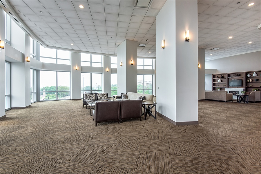 Real Estate Photography - 1211 S Prairie, Unit 3101, Chicago, IL, 60616 - Conference Room
