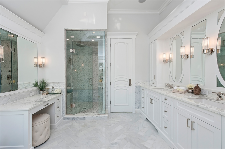 Real Estate Photography - 770 Greenwood, Glencoe, IL, 60022 - Master Bathroom