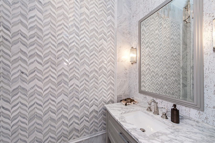 Real Estate Photography - 770 Greenwood, Glencoe, IL, 60022 - Powder Room