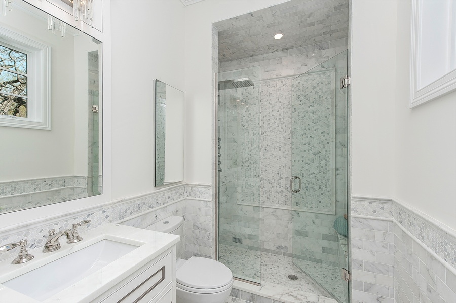 Real Estate Photography - 770 Greenwood, Glencoe, IL, 60022 - 2nd Bathroom