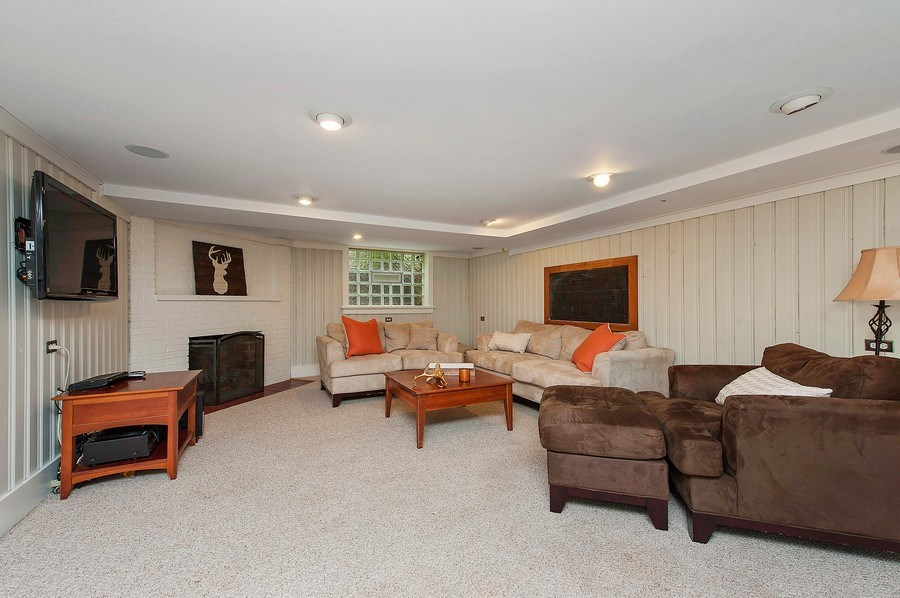 Real Estate Photography - 3022 Payne St, Evanston, IL, 60201 - Recreational Room