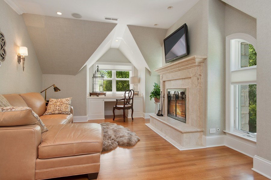 Real Estate Photography - 414 Warwick Rd, Kenilworth, IL, 60043 - Sitting Room
