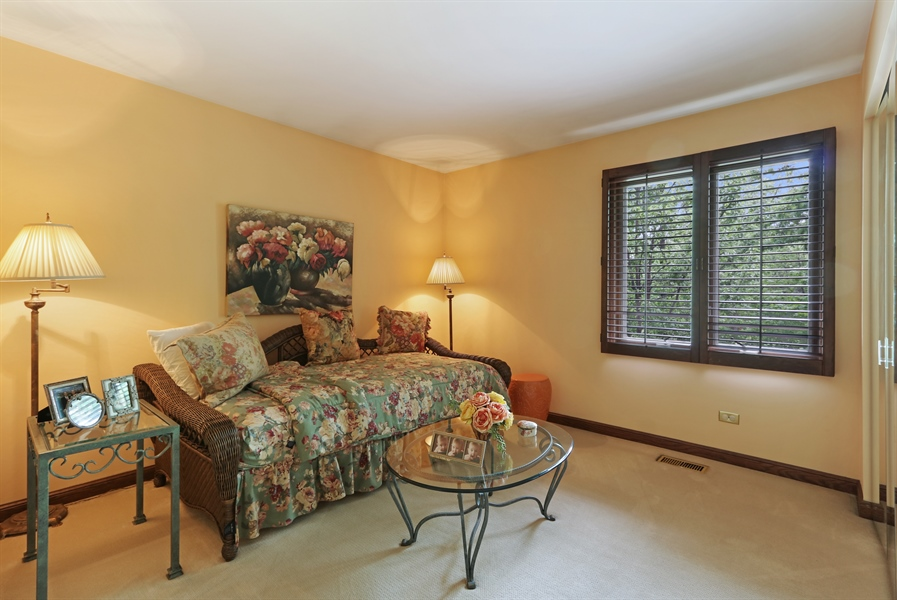 Real Estate Photography - 4541 Tall Oak Ln, Rolling Meadows, IL, 60008 - 3rd Bedroom