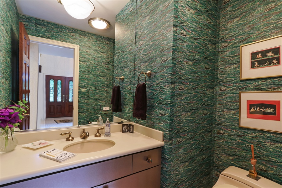 Real Estate Photography - 4541 Tall Oak Ln, Rolling Meadows, IL, 60008 - Powder Room