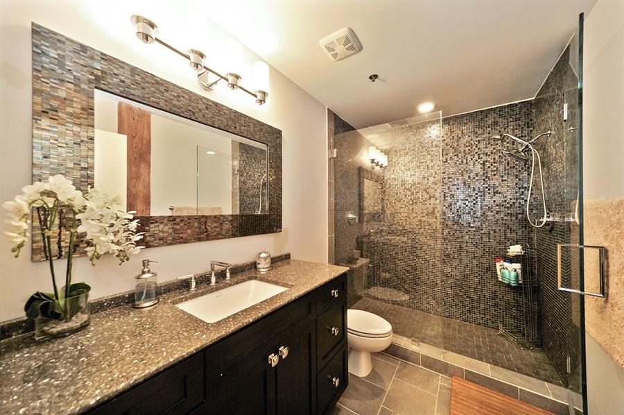 Real Estate Photography - 616 W Fulton St, Unit 403, Chicago, IL, 60661 - Master Bathroom