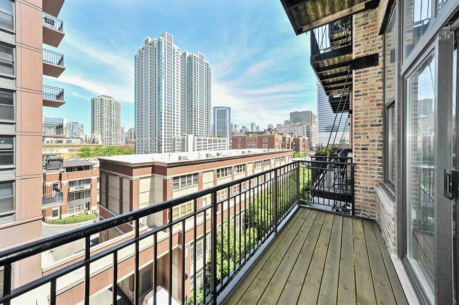 Real Estate Photography - 616 W Fulton St, Unit 403, Chicago, IL, 60661 - Balcony