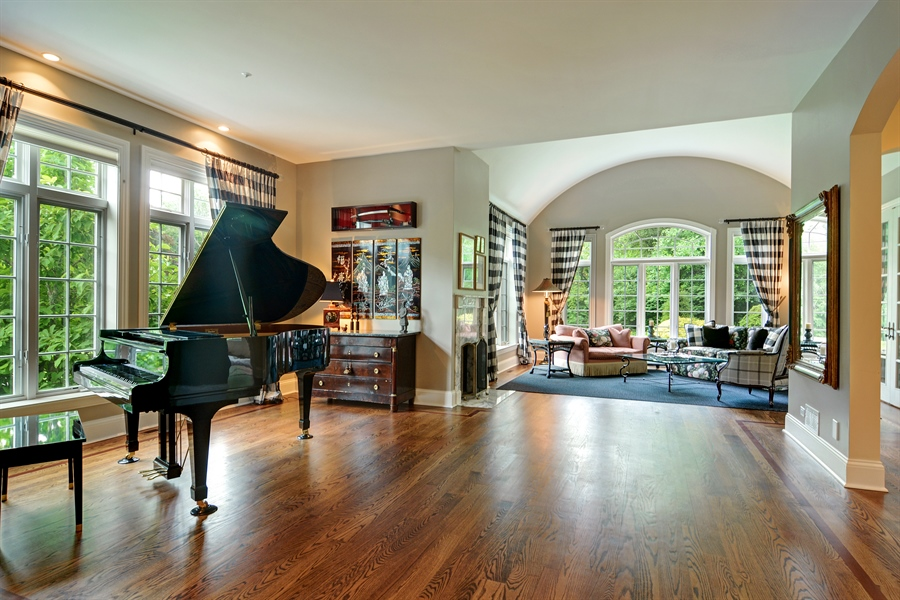 Real Estate Photography - 4302 Olde Indian Creek Ln, Long Grove, IL, 60047 - Great Room
