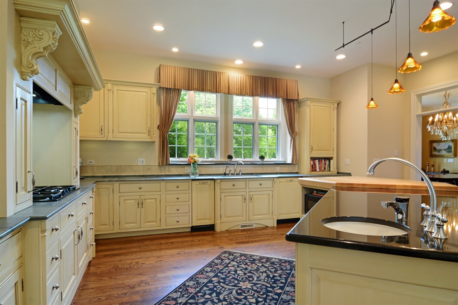 Real Estate Photography - 4302 Olde Indian Creek Ln, Long Grove, IL, 60047 - Kitchen