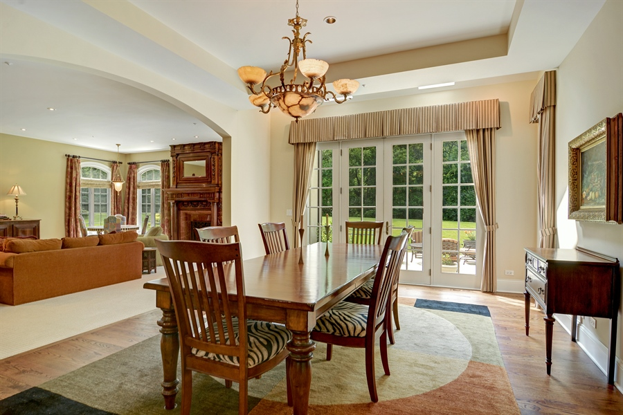 Real Estate Photography - 4302 Olde Indian Creek Ln, Long Grove, IL, 60047 - Breakfast Nook
