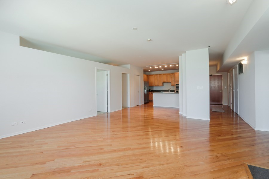 Real Estate Photography - 910 S Michigan Avenue, 1705, Chicago, IL, 60605 - Living Room