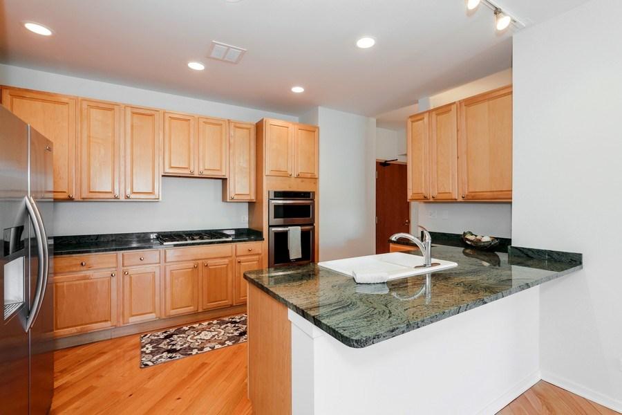 Real Estate Photography - 910 S Michigan Avenue, 1705, Chicago, IL, 60605 - Kitchen