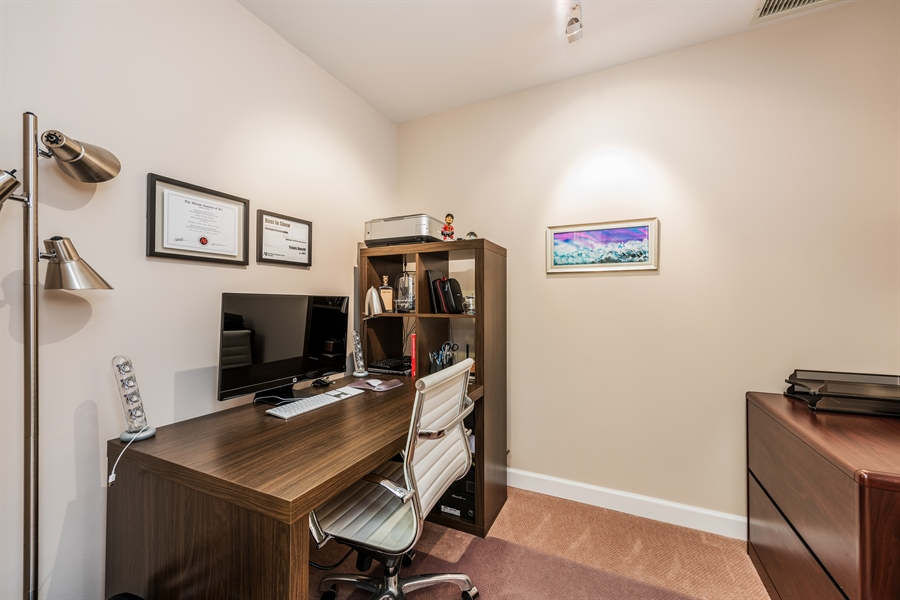 Real Estate Photography - 431 S Dearborn, 807, Chicago, IL, 60605 - Office