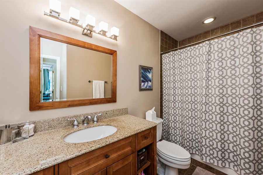 Real Estate Photography - 431 S Dearborn, 807, Chicago, IL, 60605 - Bathroom