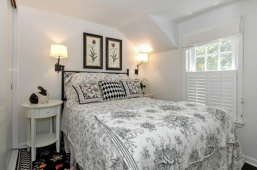 Real Estate Photography - 209 Kelsey Rd, Barrington, IL, 60010 - Apartment 5th Bedroom