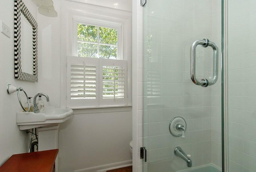 Real Estate Photography - 209 Kelsey Rd, Barrington, IL, 60010 - Apartment Bathroom