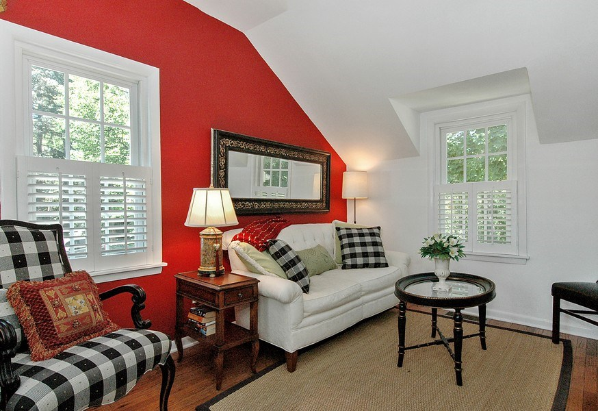 Real Estate Photography - 209 Kelsey Rd, Barrington, IL, 60010 - Apartment Home Office