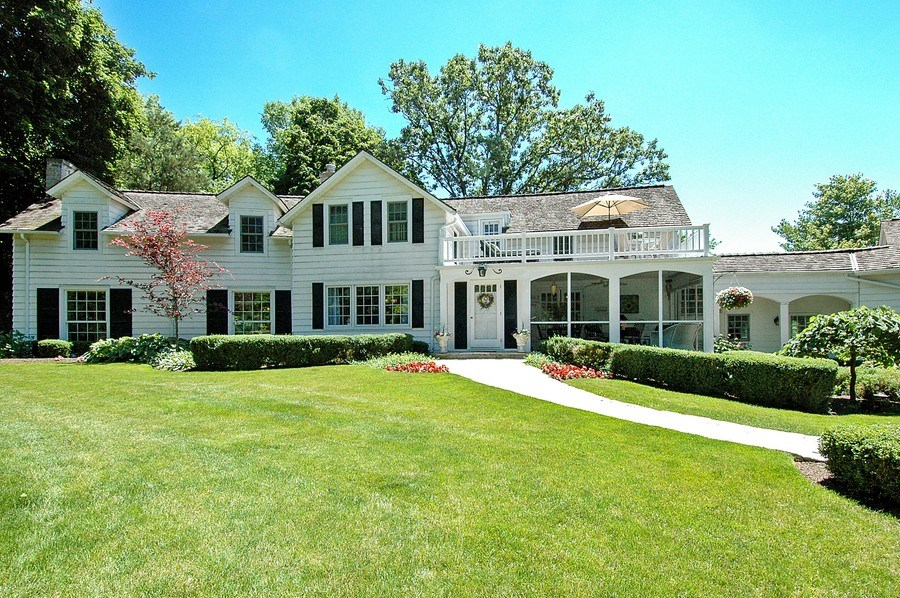 Real Estate Photography - 209 Kelsey Rd, Barrington, IL, 60010 - Front View